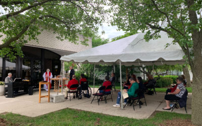 Outdoor Eucharist: Now With Singing!